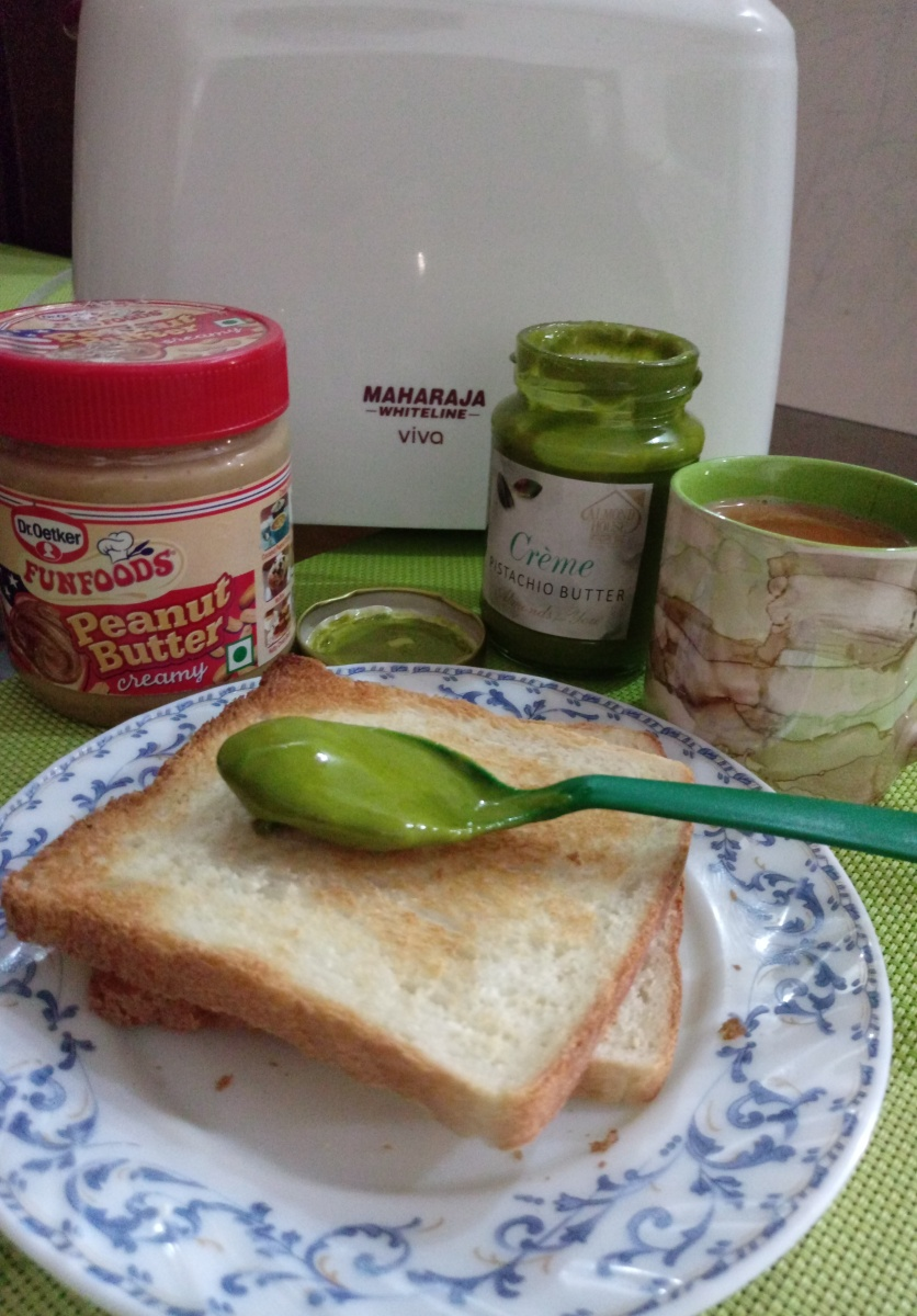 Quick & Easy butter toast with Maharaja Whiteline